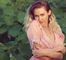 Miley Cyrus Hapus Semua Postingan Instagramnya