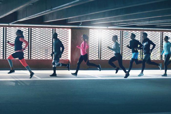 Manfaat dan Bahaya Dengar Musik Saat Lari