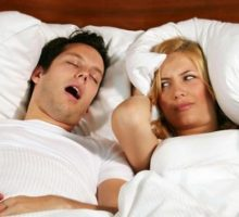 Atasi Gangguan Mendengkur Saat Tidur dengan 5 Cara Ini